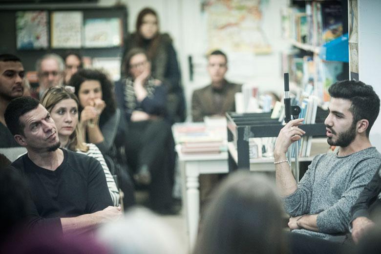 Auftaktveranstaltung der bundesweiten Storytellings-reihe in der Tuchholksy Buchhandlung in Berlin am 27.01.2016. Foto: Dominik Butzmann