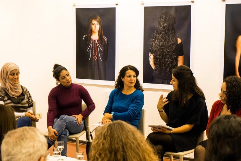 Nivin Maksour, Doha El Jaduh, Dilek Güngör, Lama Al Haddad, Dima. Foto: Hans Glave, Berlin