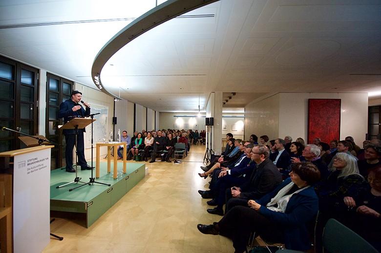 Deutschland, Berlin, 21, Welttag der Poesie feiert die Vielfalt von Sprache, Stiftung Brandenburger Tor, Max Liebermann Haus, Bas Böttcher, Deutschland, © Rolf Zoellner.