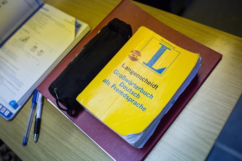 Bild vom Langenscheidt-Duden. Fast alle wollen Medizin studieren – wichtig ist natürlich der Deutschunterricht. 2016