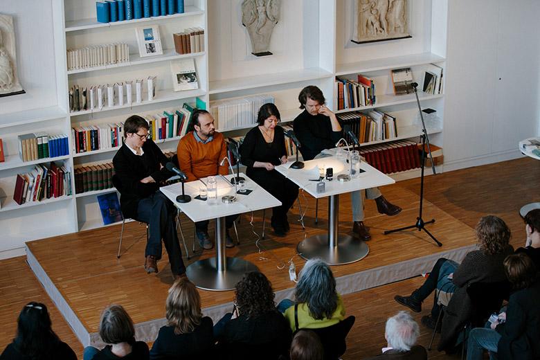 Die Autorin Ayeda Alavie stammt aus dem Iran und ist seit 18 Jahren in Deutschland.