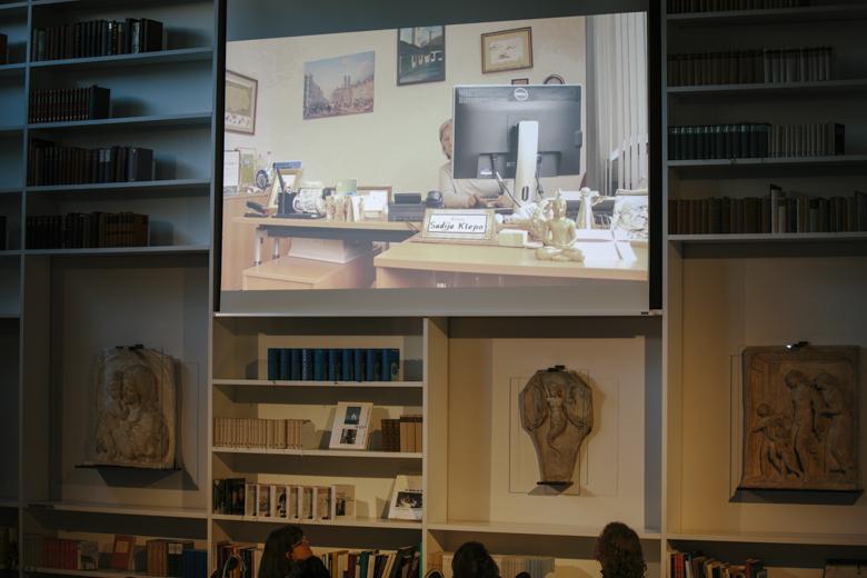 Afraa Batous präsentierte Ausschnitte aus einem ihrer Filme.