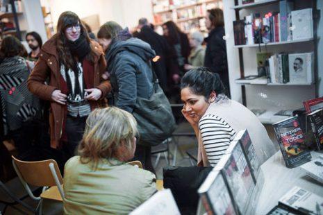 Auftakt der bundesweiten Veranstaltungsreihe in der Tuchholsky Buchhandlung in Berlin am 27.01.2016. Foto: Dominik Butzmann